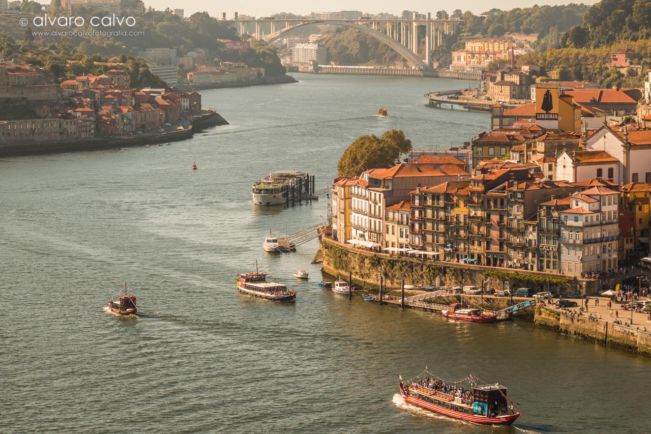 Ribera del río Douro a su paso por Oporto
