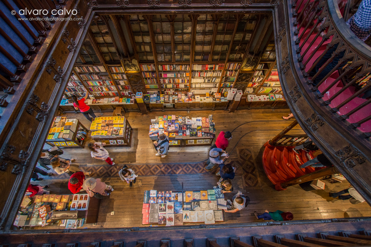 Libreria de Lello (Oporto)