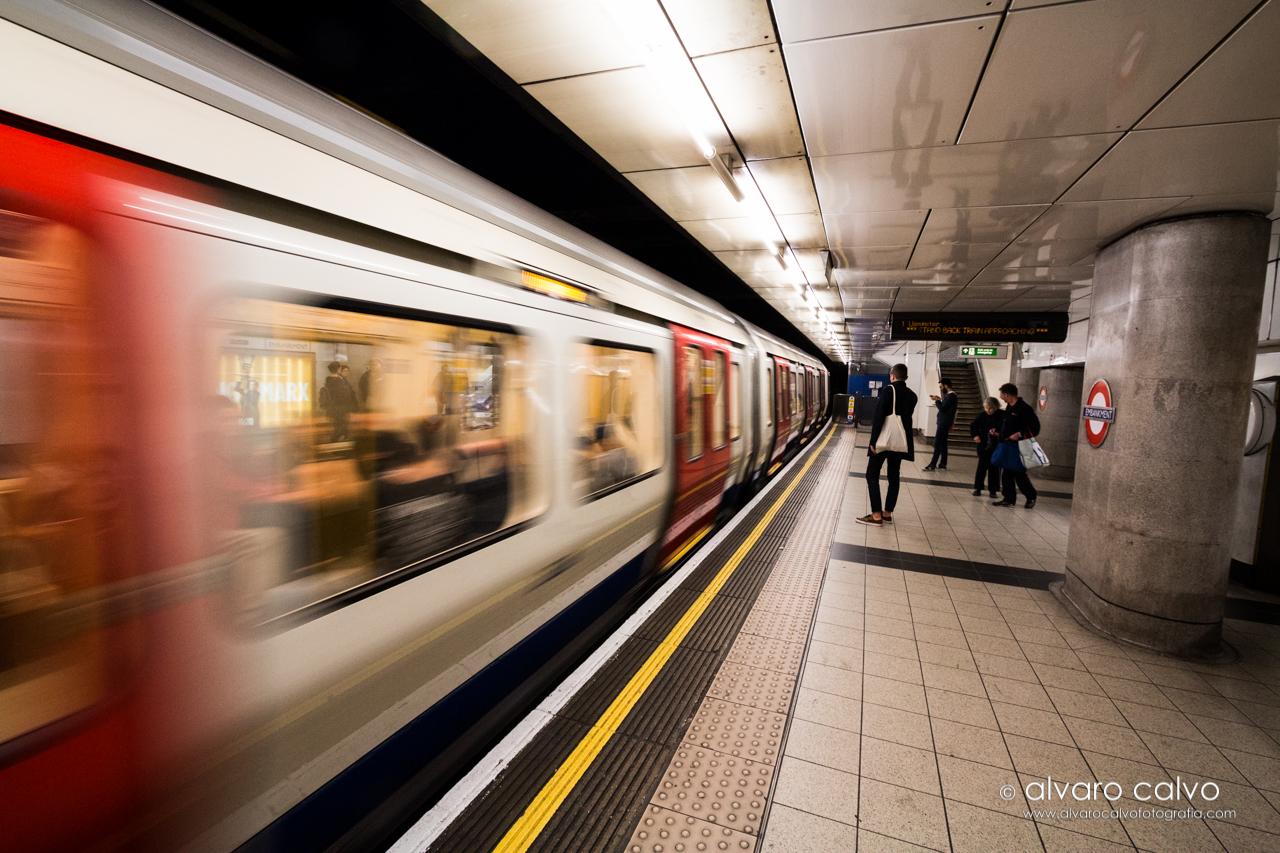 Parada de metro en Londres