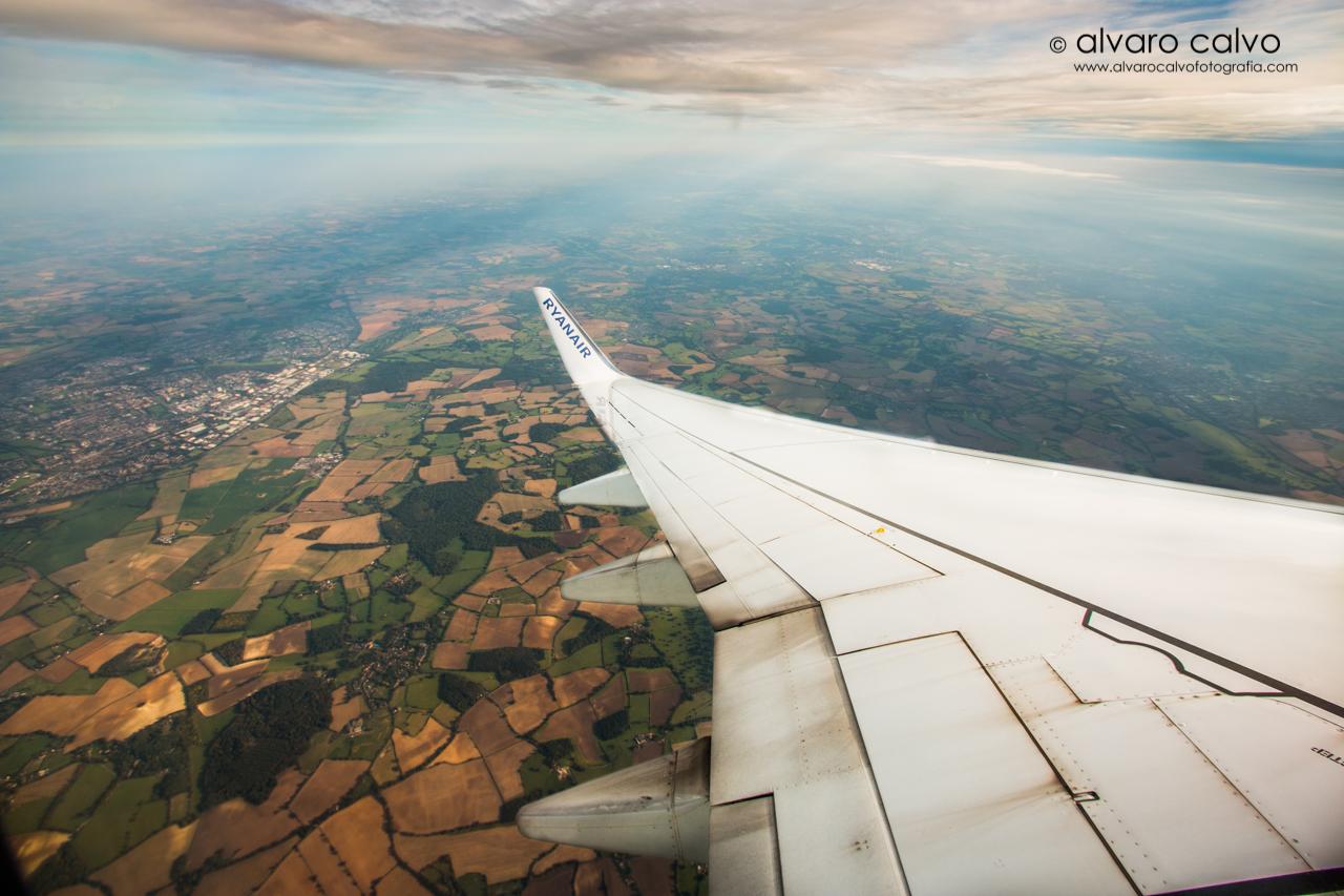 Sobrevolando Londres desde el avión de Ryanair
